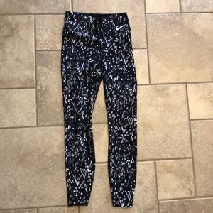 Women's XS Nike leggings.